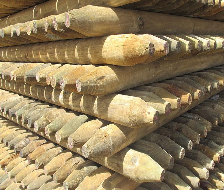 Estacones inmunizados n cleos de madera - Casas de madera de pino ...